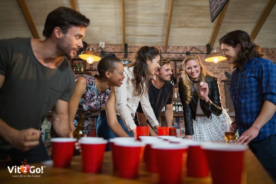 Die 5 lustigsten Trinkspiele für deine Party