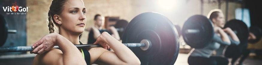 Sport treiben & Gewichte stemmen.